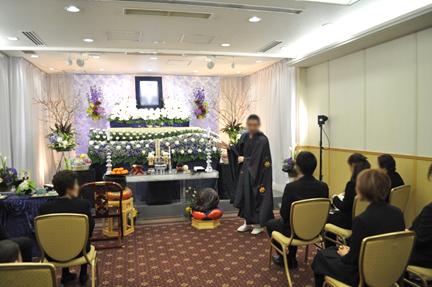 20代の若い喪主が亡き祖父を送った家族葬